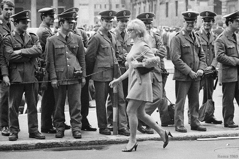 1963 - 2013 La minigonna compie 50 anni