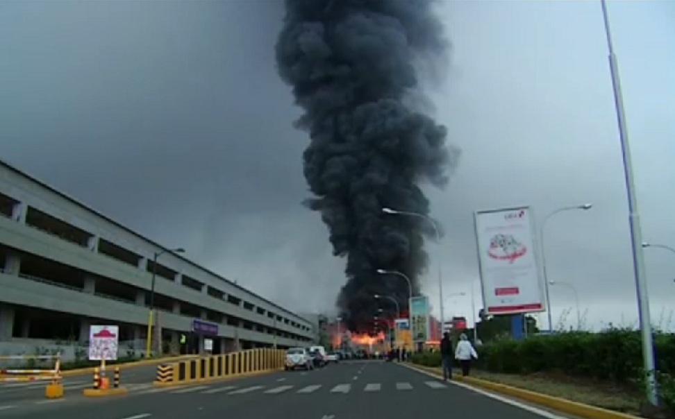 Aeroporto Nairobi : Kenya incendio devasta l aeroporto di nairobi il