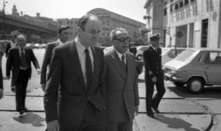 Italian Minister Franco Nicolazzi during a visit at Port of Genoa, Italy, May 1981. ANSA/OLDPIX