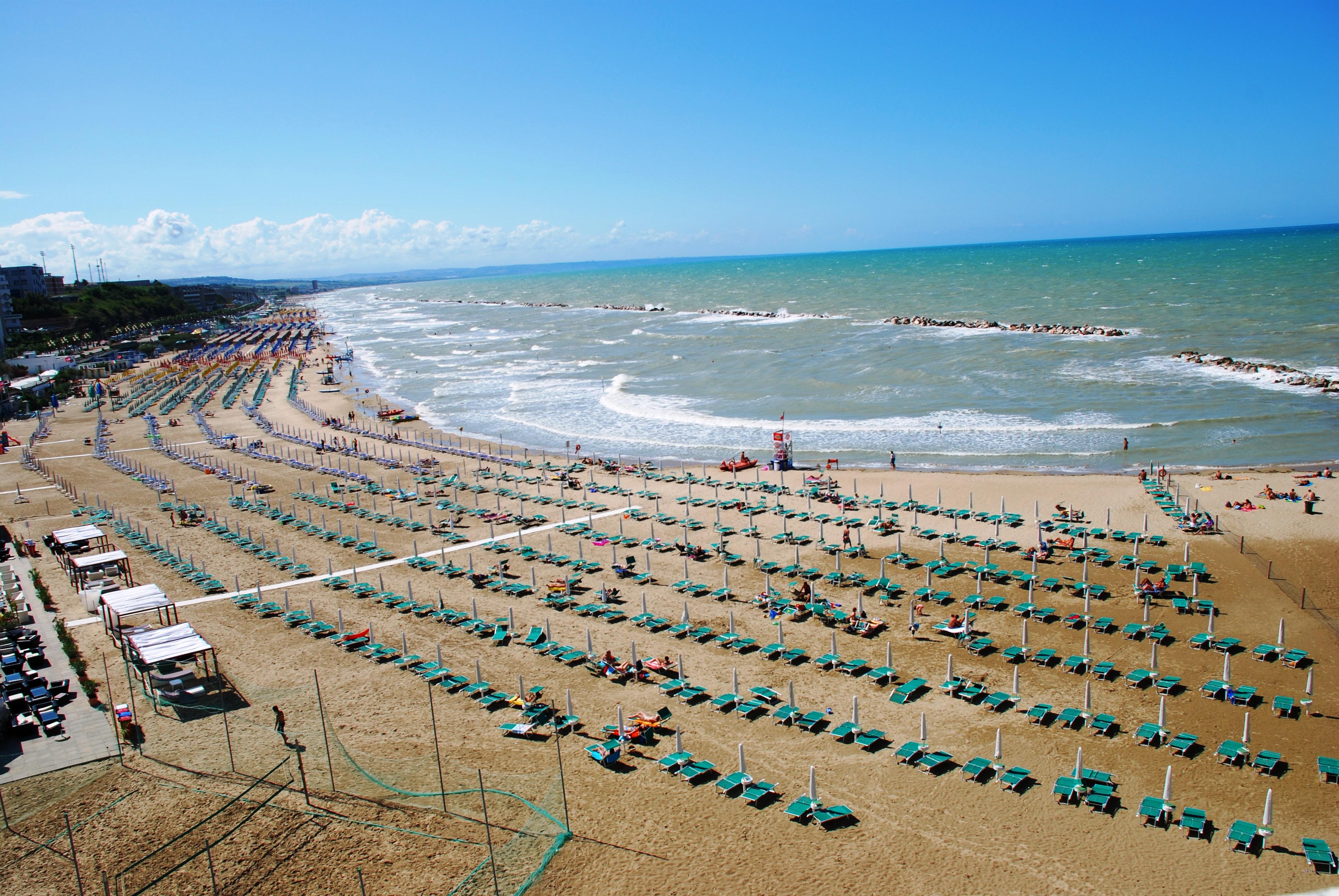 Matrimonio Spiaggia Termoli : Spiaggia a misura di bambini termoli la bandiera verde