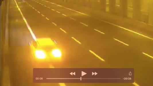 Audi gialla sfreccia a 270 km orari su Passante Mestre VIDEO