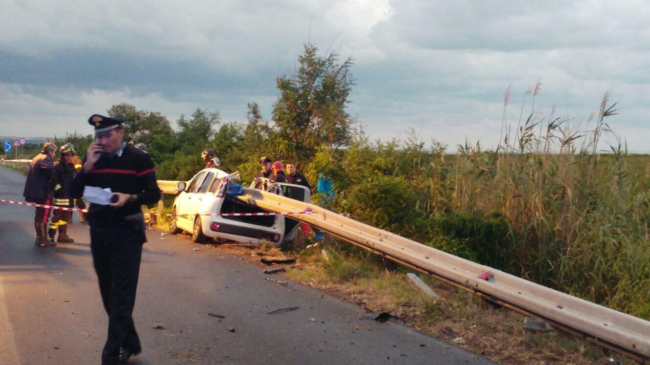Viabilità, incidente mortale sulla statale Adriatica: due morti